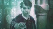 三分鐘看完《哈利波特與密室》,伏地魔放出巨蛇,被哈利一劍刺死