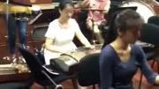 新郎的表妹,中央音樂學院在校學生,演唱功底點個贊