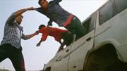 電影解說:印度電影開掛新高度,母雞也能當武器你敢信?肚子笑痛