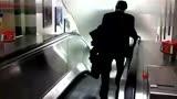 星空搞笑 屌絲男士都是這樣下電梯【酷客春季】·MP4[高清版].mp4