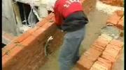 民間牛人發明新型砌磚方法,不用油不用電,一小時砌500塊磚