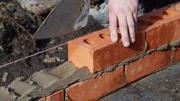 農民工發明一個砌磚工具, 速度加快8倍, 每天多賺400元
