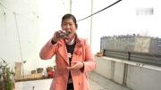 民間高手,街頭藝人小龍女香港西九文化區表演,一開唱圍滿了路人