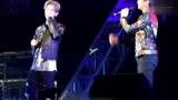 跑男重聚,鹿晗演唱会与邓超一起互动唱歌,不愧是父子啊!