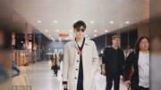 鄧倫楊紫機場穿情侶裝,共同出席金鷹節,網友:要公開的節奏!
