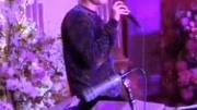 胡歌在唐嫣婚禮上清唱了一首英文歌,開嗓的瞬間臺下安靜了