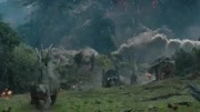 《侏罗纪世界2》25日24:00暴虐上线!
