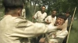 民兵葛二蛋,黃渤跟王喜寬棍子互毆,這一棍敲身上多疼啊