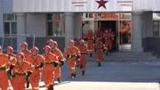 天津爆炸事故傷員被送醫畫面曝光 多名消防員受傷