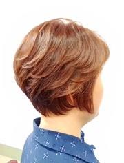"""评论 点赞 收藏 50岁大姐想年轻,开春定制了一款""""半盖耳""""短发,时尚图片"""