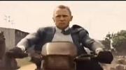 007:大破天幕杀机(片段)自己人枪射邦哥落水
