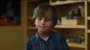 5分钟看《奇迹男孩》原著,整容27次的畸形男孩教会人们爱和善良