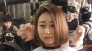 直发妹子嫌发型气质不够,发型师分析脸型烫内扣来凑!