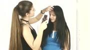 女子想剪个超短发型,结果剃成这样,都不?#39029;?#38376;了