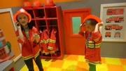 樂高小電影:樂高城里發生火災,消防員出動直升飛機滅火!