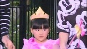 李湘携女儿出国 王诗龄帽子背包过万全身奢侈品