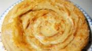 教你做千層蔥花餅,做出來蔥香味十足,咬一口酥的掉渣,太香了!