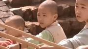他在电影《少林寺》中饰演圆觉父亲,据说功夫不在李连杰之下