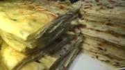 教你做大餅:一碗面粉,3個雞蛋,開水一燙,柔軟多層
