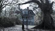 美国惊悚恐怖电影《招魂2》,女孩被恶魔附体,12点准时梦游
