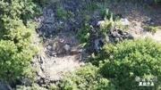 无人机发现一座隐蔽古墓,藏在山洞中不见天日,难道风水宝地吗