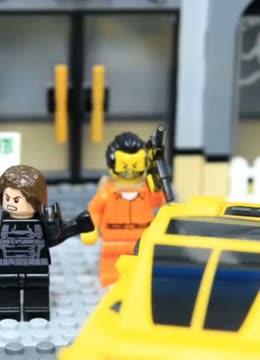 乐高逐格动画:绿巨人和钢铁人联手抓住盗贼!