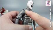 《異形》前傳《普羅米修斯》,造物主遺骸內,第一只異形破體而出