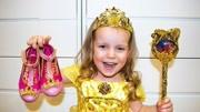 【迪士尼公主】冰雪女王和杰克凍人生了一個小寶寶,超可愛!