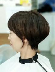 """点赞 收藏 越剪越年轻的""""半盖耳""""短发,时尚不过时,适合绝大多数女性图片"""