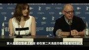 王源出席柏林電影節,暖心給粉絲簽名,紅毯上奔跑的源哥太可愛了