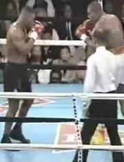 得瑟拳手眼神挑衅泰森,18秒后被教做人!