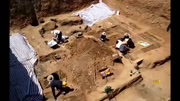 貝樂虎喜歡考古 為他穿上考古工作服 準備考古工具