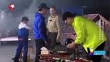 《極限挑戰4》張藝興燉雞堅持不要雞頭,全身都在拒絕,太逗了!