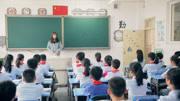 黄色网站妞妞免费学生和老师做多_老师因病离校,心里牵挂着学校,留给学生们的话感动无数人!