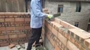 難得一見的砌磚方法,且看農村瓦工師傅如何砌出高質量的磚墻