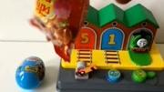 小火車托馬斯和朋友們 洗個澡澡 邊個色 小托馬斯是藍色的
