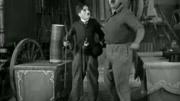 卓別林大師一部經典的有聲喜劇作品,喜劇的背后卻滿含著譏諷意義