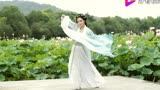 氣質美女舞一段《魔道祖師》廣播劇主題曲《何以歌》,舞姿超仙