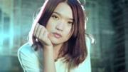 郑云龙歌手第9期阿龙川蔡花絮,两个小姐姐忙了三分钟扣子没扣上
