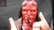 地獄男爵2(片段)探員用照妖鏡阻止吃貓怪人 原型竟是一堆肉瘤