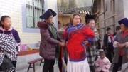 四川涼山彝族選美大賽,正在山上舉行,全是美女