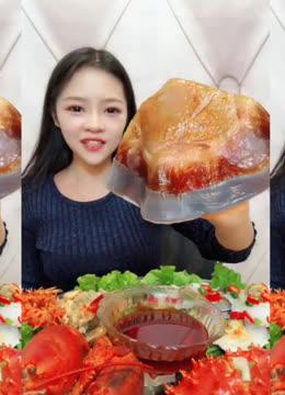 吃播小姐姐:吃香辣海蜇,吃海蔘,吃八爪鱼爆头,吃的真香!