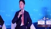 劉強東被警方帶走視頻曝光 腳上還穿著拖鞋