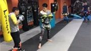 廣西羿武搏擊俱樂部(北大店)符教練散打綁帶綁法教學視頻