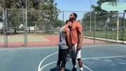 【NBA2KOL2】伦纳德双手暴扣,周琦大帽扇飞打懵对手!