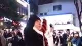 偶像練習生:范丞丞在韓國弘大街頭跳《EIEI 》簡直太帥了,