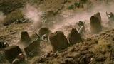 《紅海行動》蛟龍被偷襲恐怖分子火力太猛了