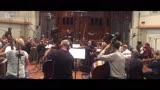 《战狼2》恢弘配乐获观众点赞 幕后音乐团队大有来头