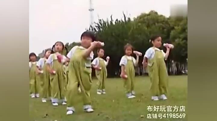 幼儿园小班下学期广播体操《器械操(响瓶