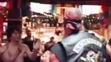《唐人街探案2》粉紅色的回憶正片片段,堪稱洗腦神曲!